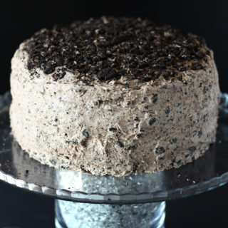 The beloved oreo cookie steals the show in this amazing vegan chocolate cake! This oil-free cake is perfect for birthdays and special occasions!